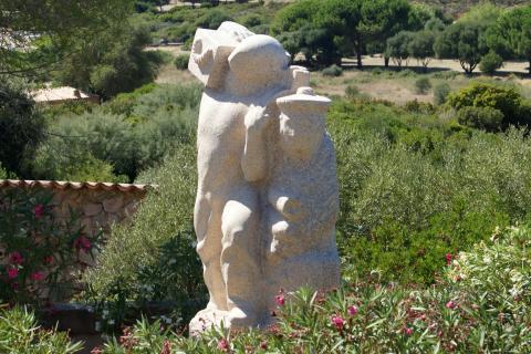 Le monument d'Arone