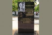 Stèle place de Gaulle Ajaccio
